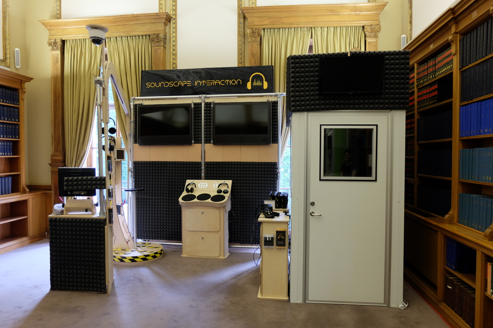 Exhibition Stand Evaluation : Speech and audio processing group · communications